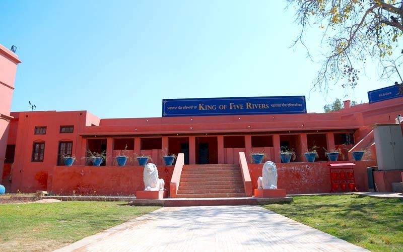 Gobindgarh Fort Taxi Service in Amritsar